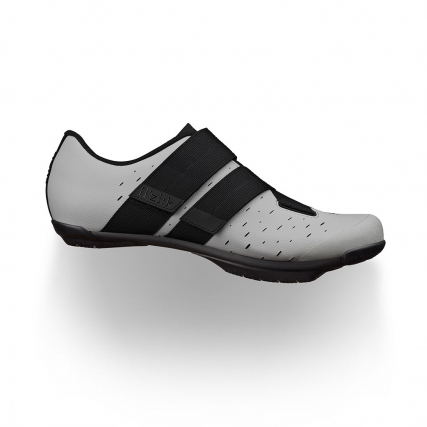 best-gravel-shoes-fizik-1-terra-powerstrap-x4-light-grey-black