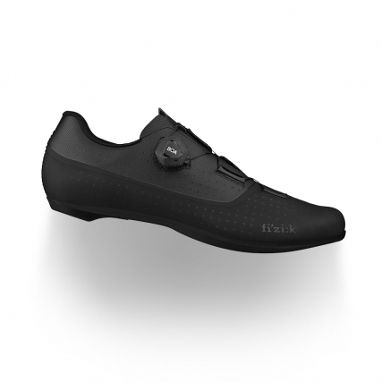 Tempo Overcurve R4 black fizik road cycling shoes with carbon injected outsole