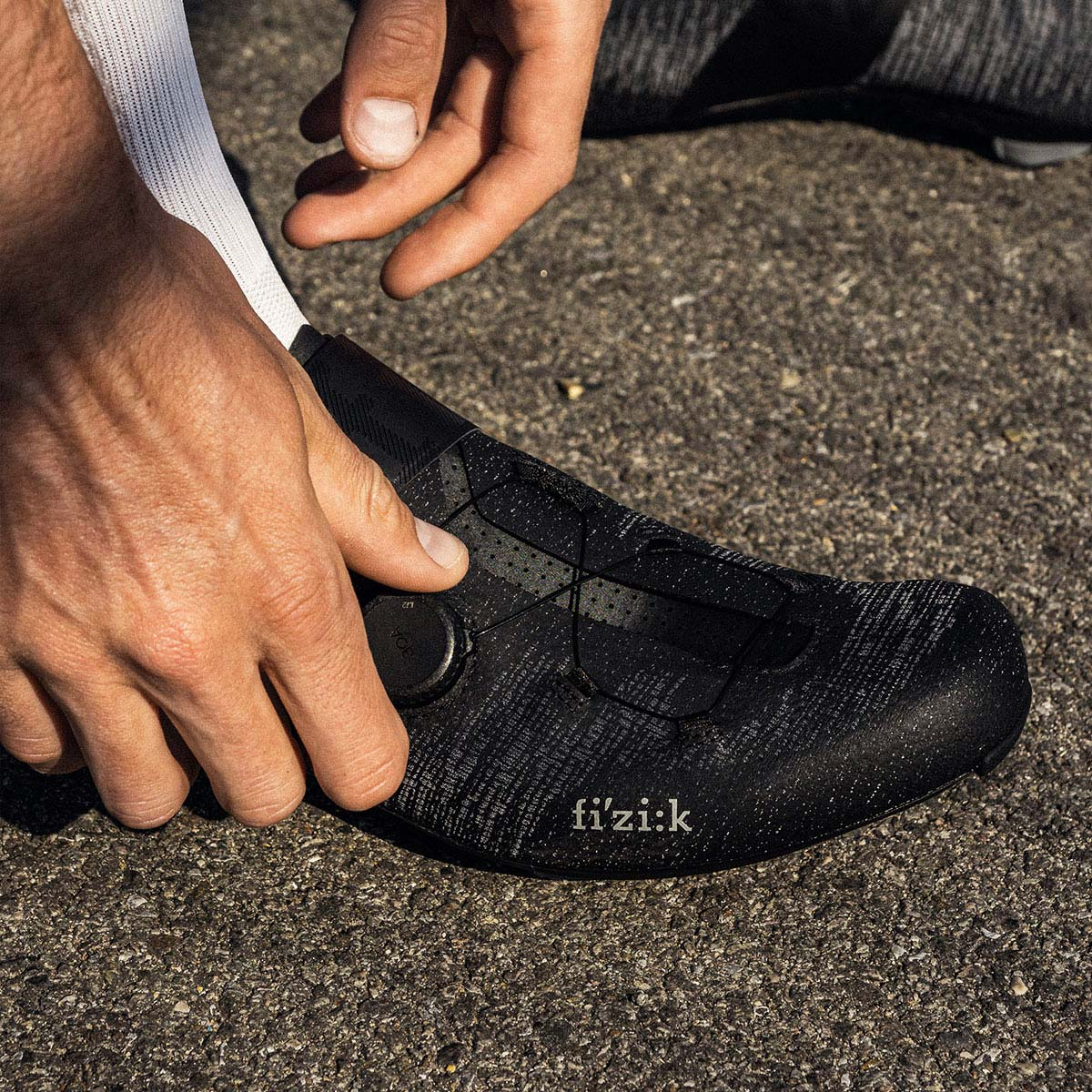 fizik-road-racing-cycling-shoes-vento-infinito-knit-carbon-2-wide