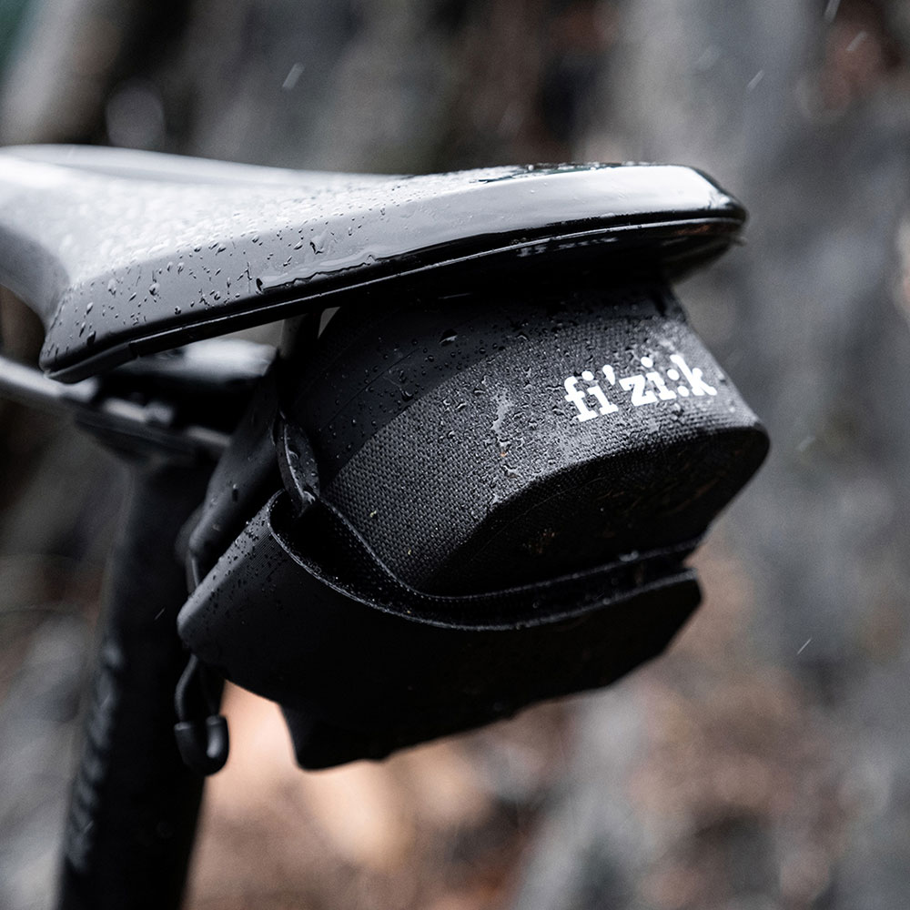 fizik-water-repellent-saddle-bag